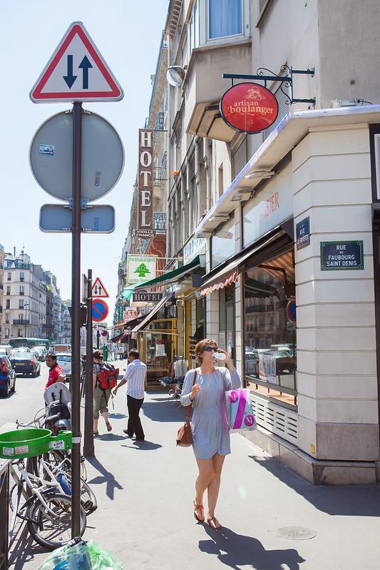 Il fait chaud. Rue La Fayette
