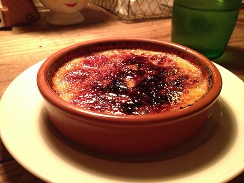 デザートにいただいたのが苺のクリームブリュレ@フォート グリーン