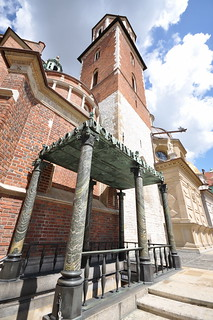 Image of  Royal Archcathedral Basilica of Saints Stanislaus and Wenceslaus  near  Kraków.