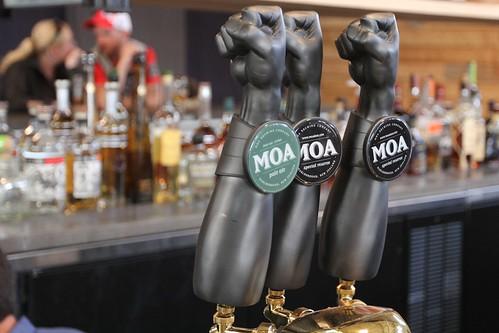 Waiheke Island Yacht Club Moa Beer