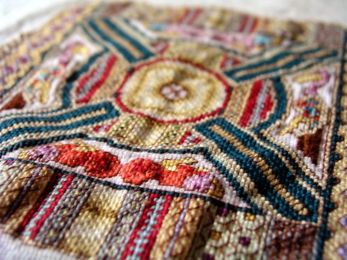 macregol medallion close up