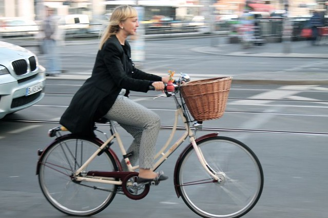 How to cycle chic ... in Berlin!