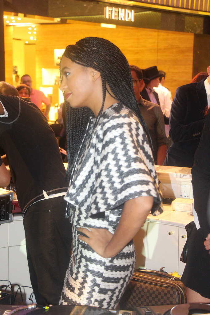 solange knowles, box braids, hairstyle, structured dress