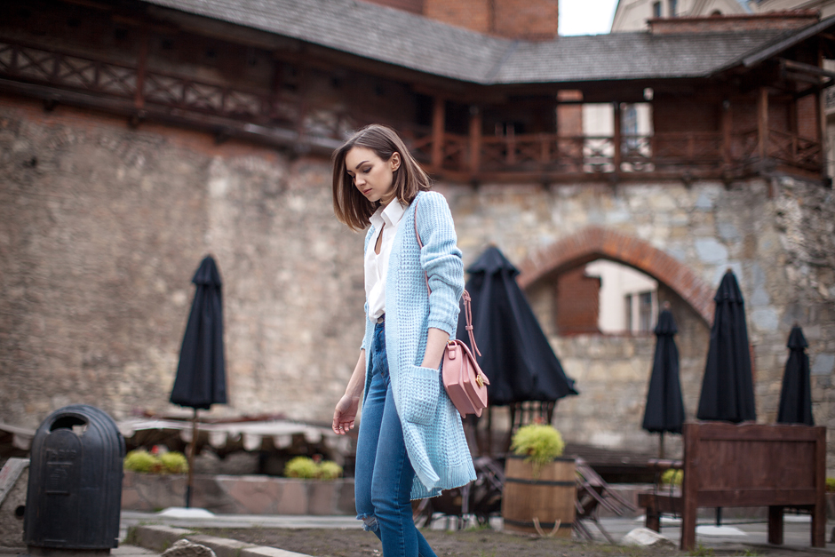 pastel-blue-coat-outfit-streetstyle-blogger