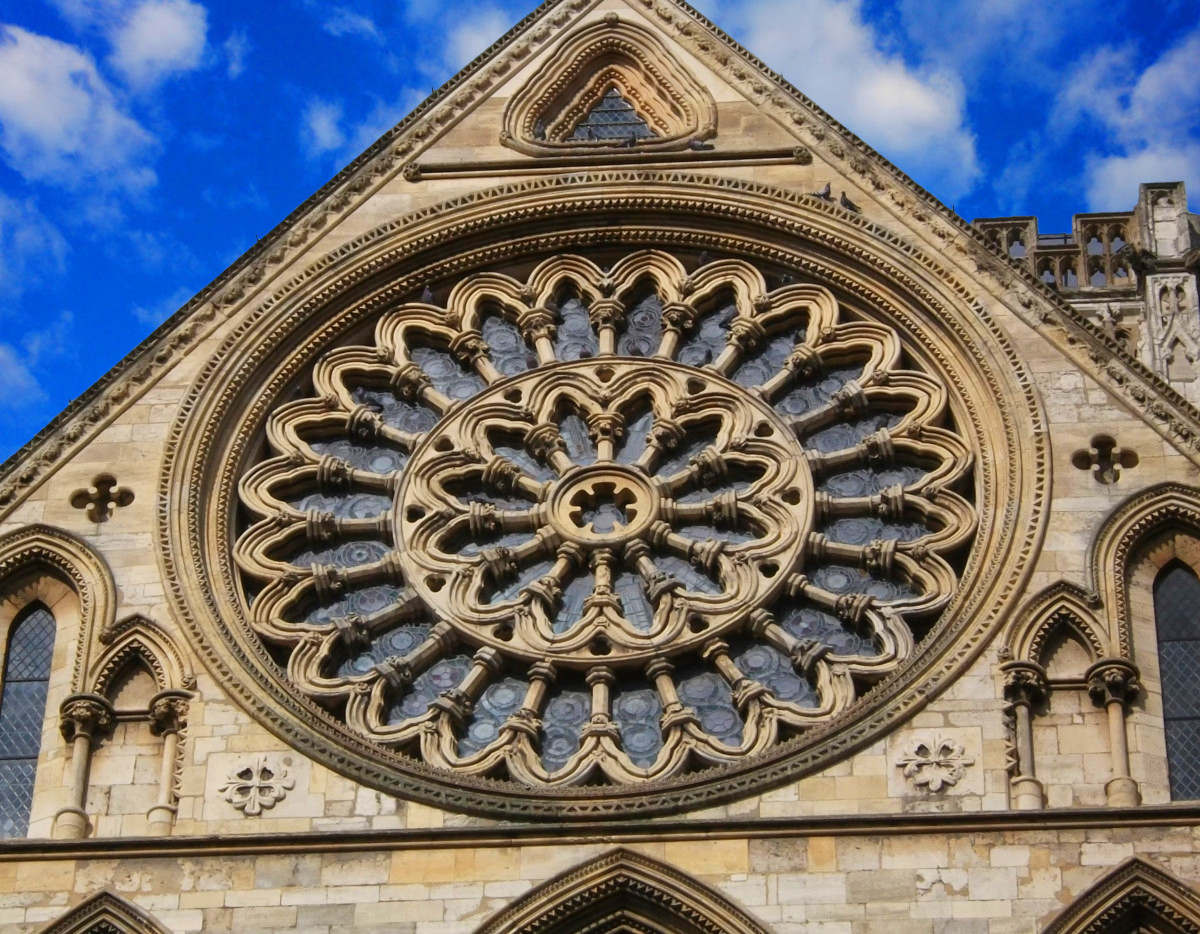 York minster the magnificent medieval cathedral of for Rose window york minster