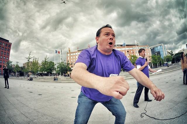 Evry Daily Photo - HA KA geant pour soutenir le projet de Grand Stade de rugby