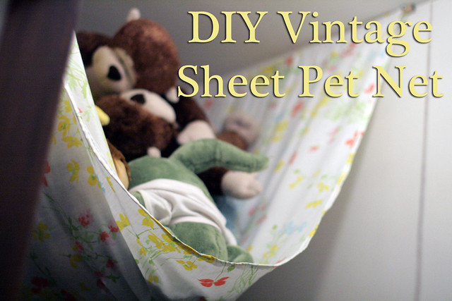 DIY Vintage Sheet Pet Net