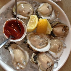 It\'s always oyster o\'clock @hlsinker #comped #notmy #lunch