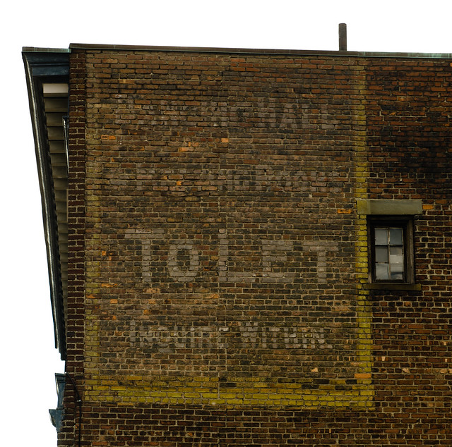 Rooms To Let - Ghost Sign-8786