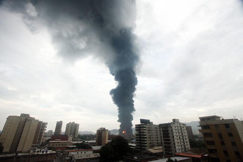 (5)VENEZUELA-PUERTO LA CRUZ-ACCIDENTE-REFINERIA