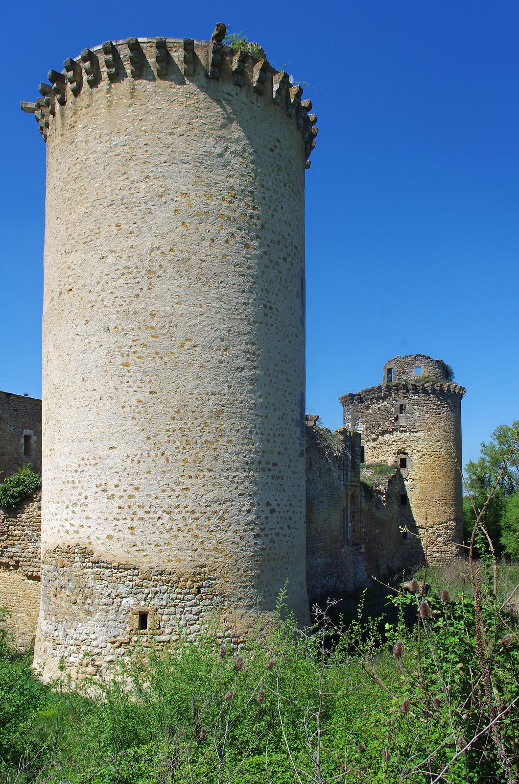 Torre y muralla