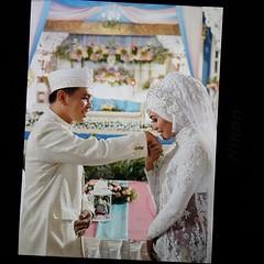 Now! Selamat buat Kak Renni @adityarenni & Kak Ferri @ferian_pz atas akad nikahnya barusan. Semoga menjadi keluarga yg selalu berkelimpahan kebahagiaan. Amiiin amiiin...   Wedding photo by @Poetrafoto 👍