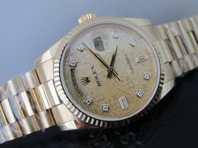 Bán đồng hồ rolex day date 6 số 118238 – Mặt Đá Vi Tính Xà Cừ – Vàng 18k Yellow – Size 36mm
