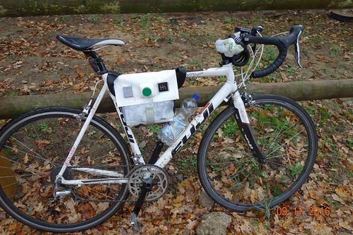 PIFpack CURIOUS on bike