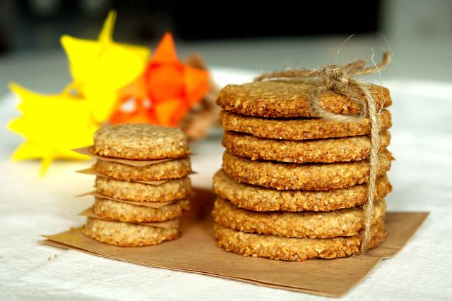 6941057742 0631b23087 z Biscuiti digestivi   Homemade Digestive Biscuits
