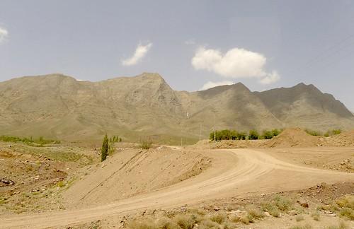 yazd-shiraz-L1020894