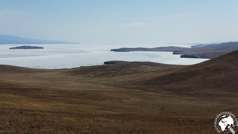 La côte Ouest de l'île d'Olkhone
