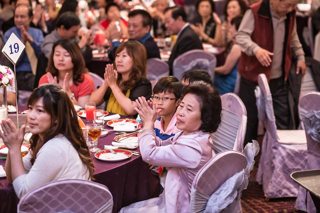 wedding0504-384.jpg