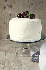 Torta con ricotta e uva nera caramellata