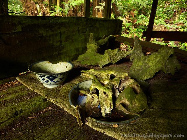 06 Bukit Serumbu Skull Hut