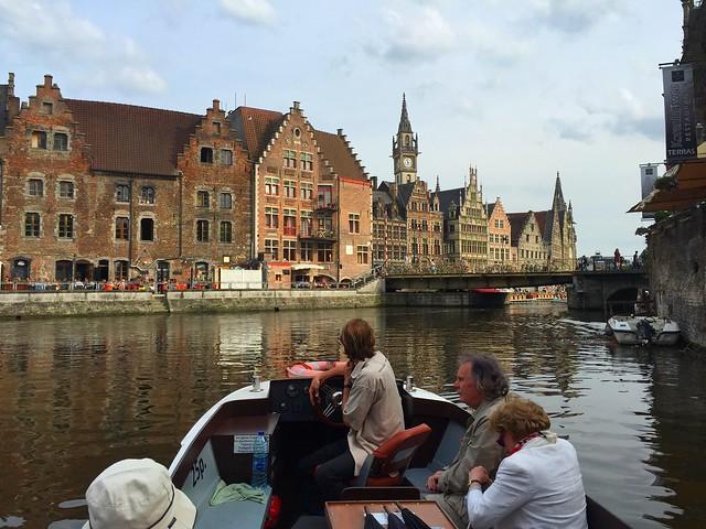 Crucero en barco por Gante (Flandes, Bélgica)
