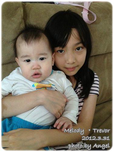 120331-兔寶和大姐姐 (2)