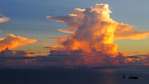 travel light sky cloud pacific southpacific solomons solomonislands