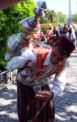 apple tea vendor