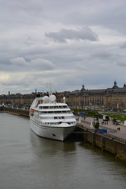 MS SEABOURN PRIDE from Yacht Club Restaurant - Visite du MS EUROPA 2 - Bordeaux - 20 mai 2013
