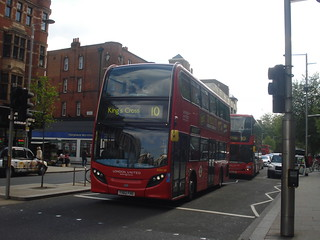 London United ADH30 on Route 10, Kensington