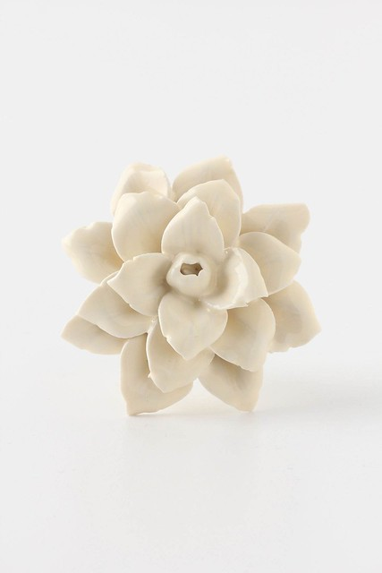 linen-flower-knob_anthropologie