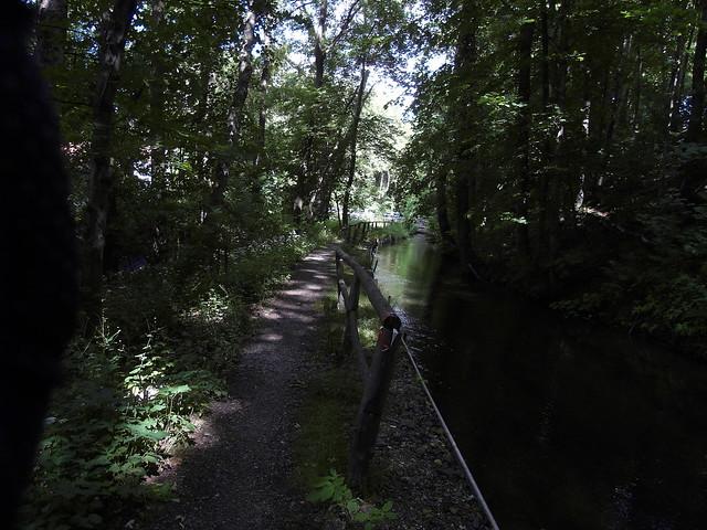 Entlang am Kanal