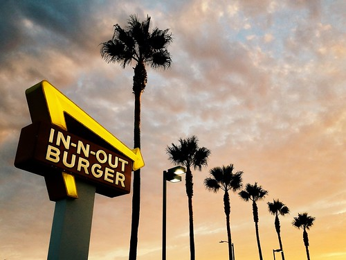 california sunset summer cali palms airplane la losangeles burger lax innout 4s humid westchester iphone planespotting doubledoubleanimalstyle vsco iphoneography vscocam innoutneonsign