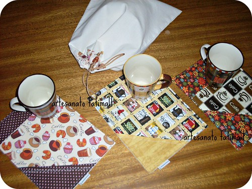 Tapetinhos com canecas by fatimalt