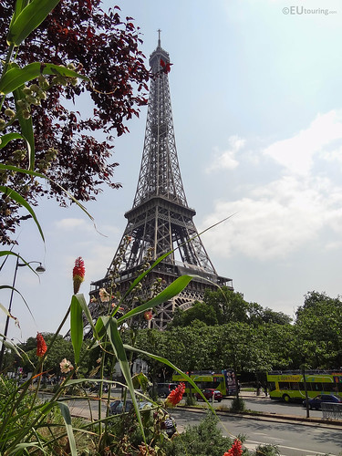 Eiffel tower from over the road