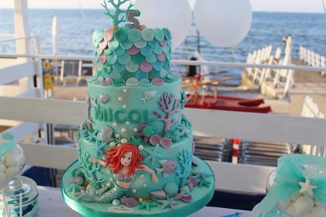 Cake by Cake Design Cupcakes & Bakery