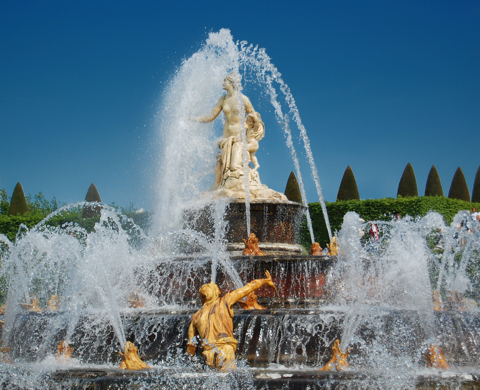 Fountain in the Gardens of Versailles. Credit edwin.11