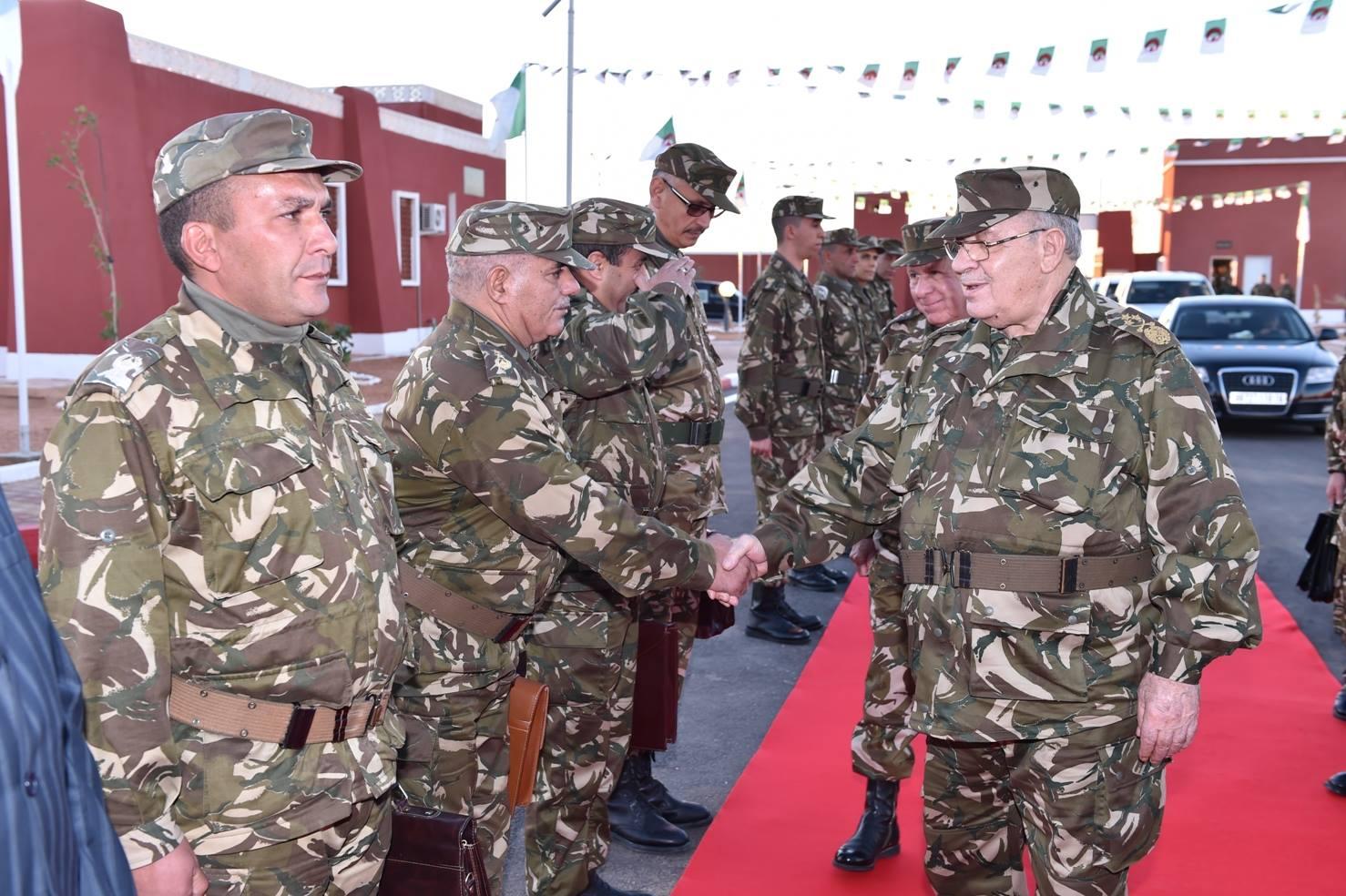 الجزائر : صلاحيات نائب وزير الدفاع الوطني - صفحة 5 30598440940_6e7d56493f_o