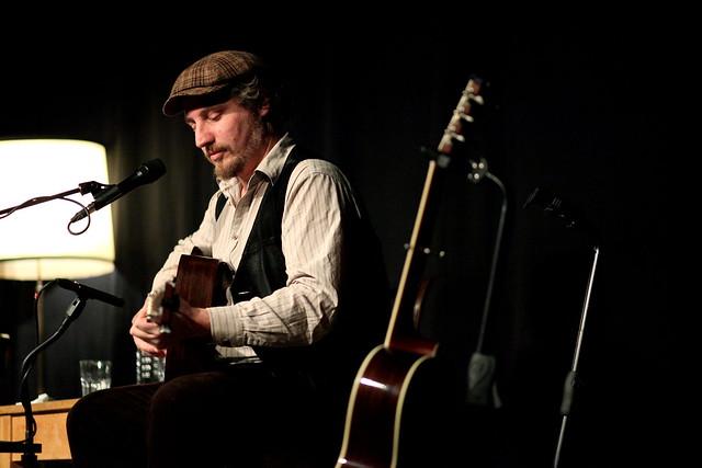Dominik Plangger live at living room sessions