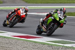 race(0.0), supermoto(0.0), automobile(1.0), superbike racing(1.0), auto race(1.0), grand prix motorcycle racing(1.0), racing(1.0), vehicle(1.0), sports(1.0), motorcycle(1.0), motorsport(1.0), motorcycle racing(1.0), road racing(1.0), motorcycling(1.0), race track(1.0), isle of man tt(1.0),