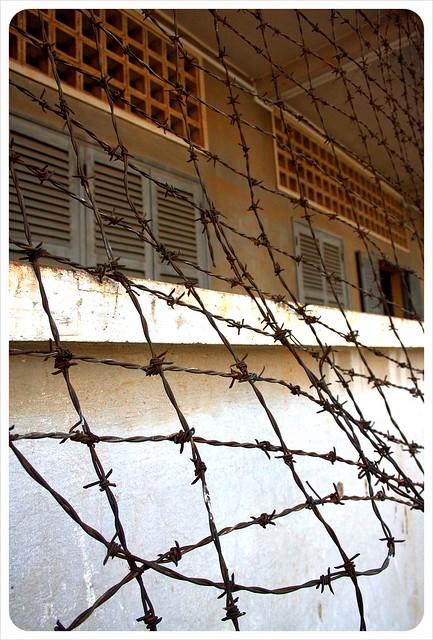 phnom penh tuol sleng fence