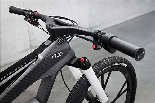 Велосипедист Audi e-bike может выбрать из пяти возможных режимов езды