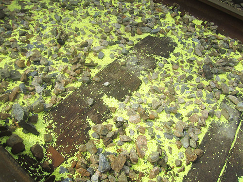 Sulphur on the train tracks