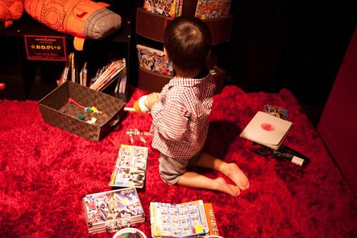 玩具・幼児本コーナー
