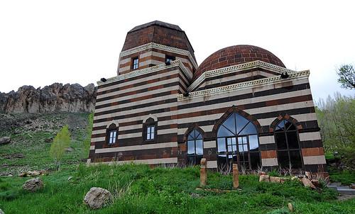 Şeyh Ahmed-i Hani Camii ve Türbesi