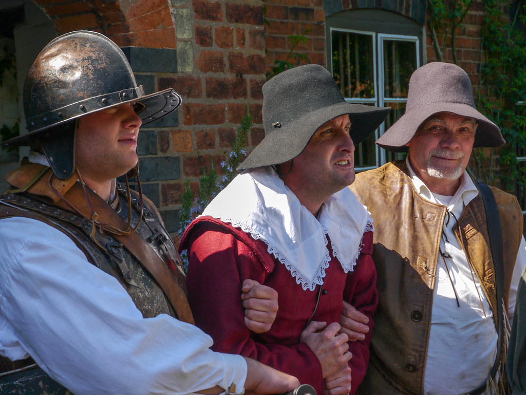 Roundheads arrest Royalist | A reenactment at Moseley Old Ha… | Flickr