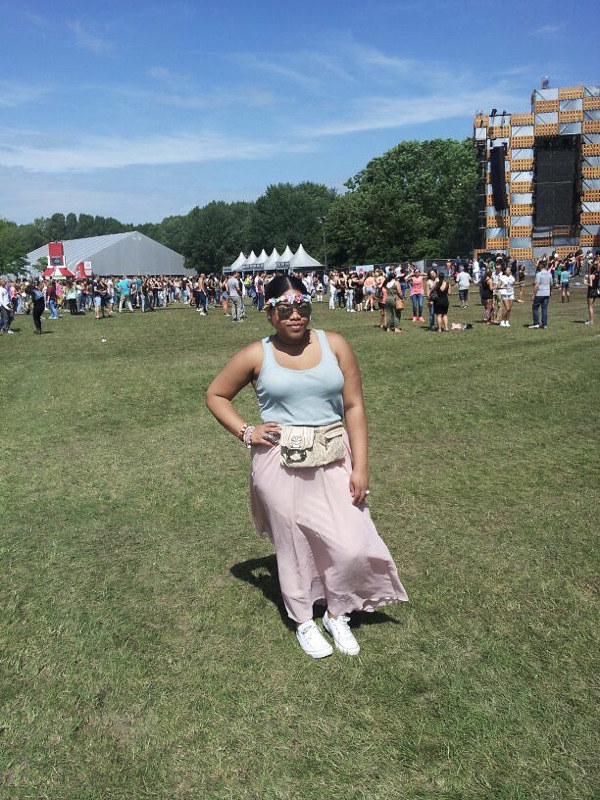 festival outfit, festival look, latin village, 2013, floral crown, guess, converse, new look, mirrored sunglasses, cute