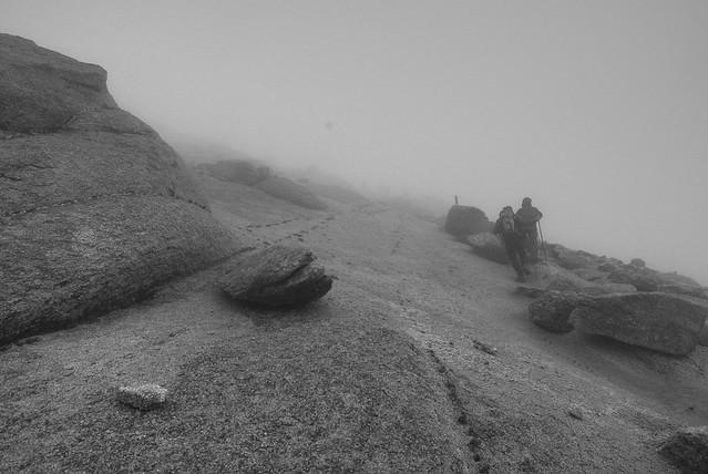 火星のような甲斐駒ケ岳への道