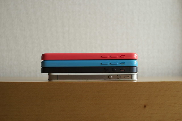iPhone 5c ピンクとブルー購入したのでiPhone 5と4Sと比べてみた!