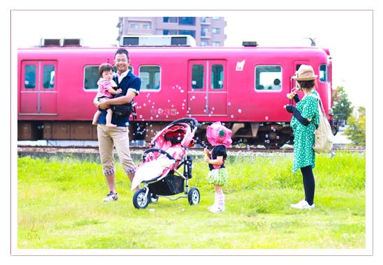 家族写真 子供写真 キッズフォト 赤ちゃん写真 出張撮影 屋外 野外 ケーキ 1才の誕生日記念 しゃぼん玉 電車